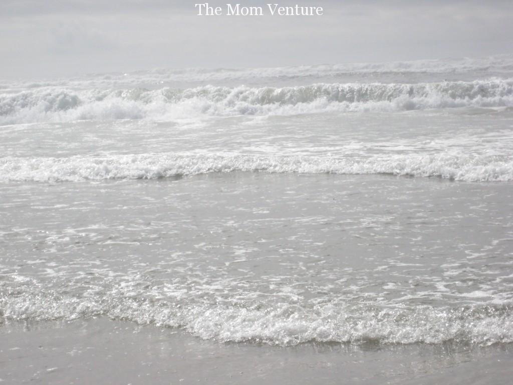 Ocean waves at Newport Oregon